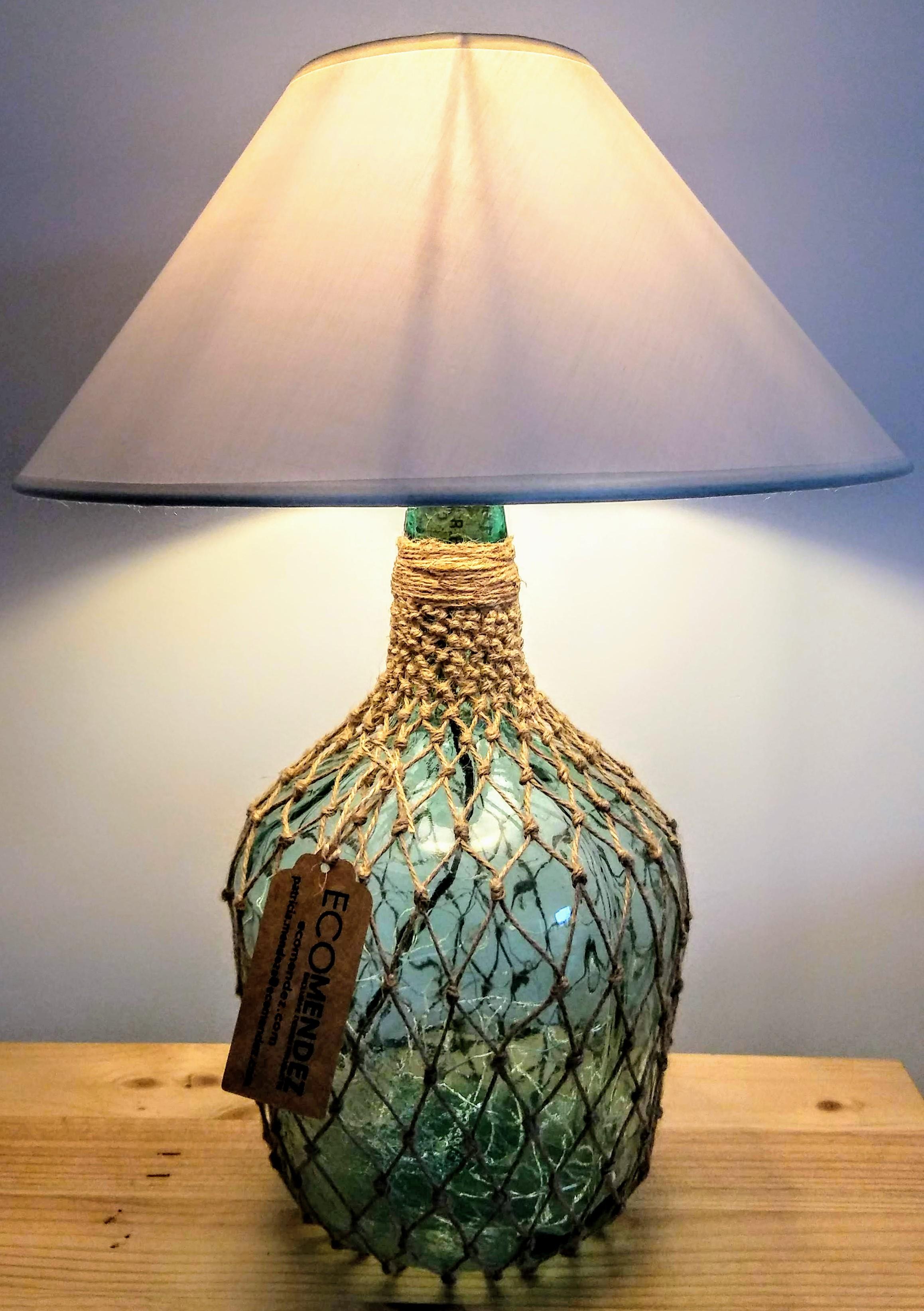 lámpara botella dama-juana