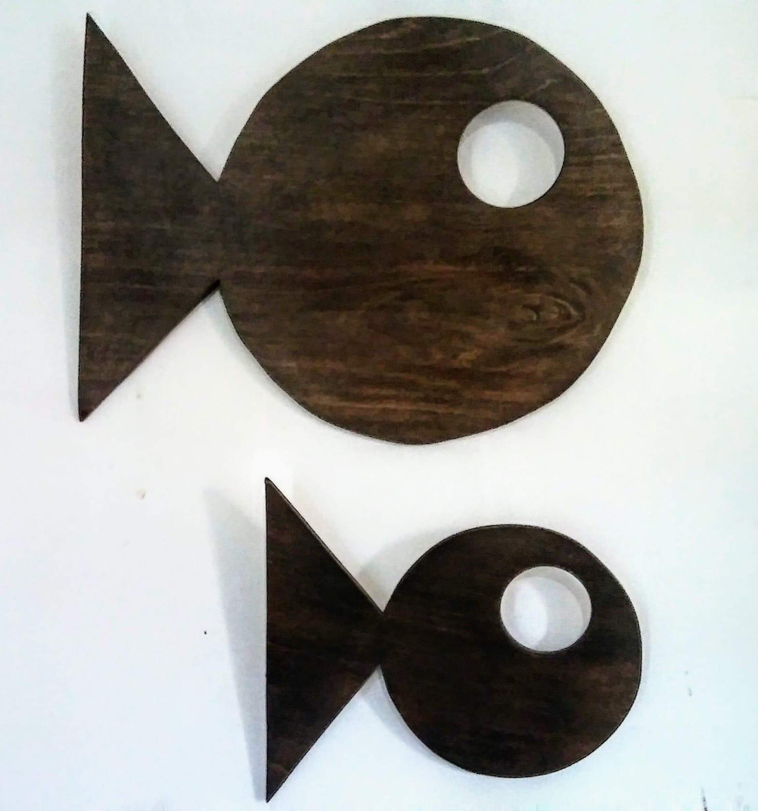 cuadro de peces hecho con madera reciclada