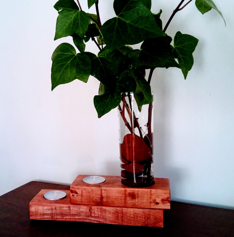 Candelabro de madera reciclada