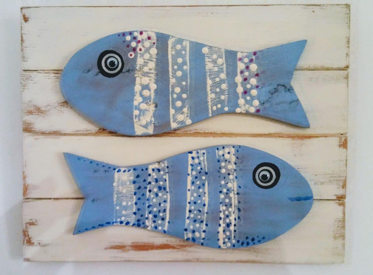 cuadro-peces-azules en madera reciclada