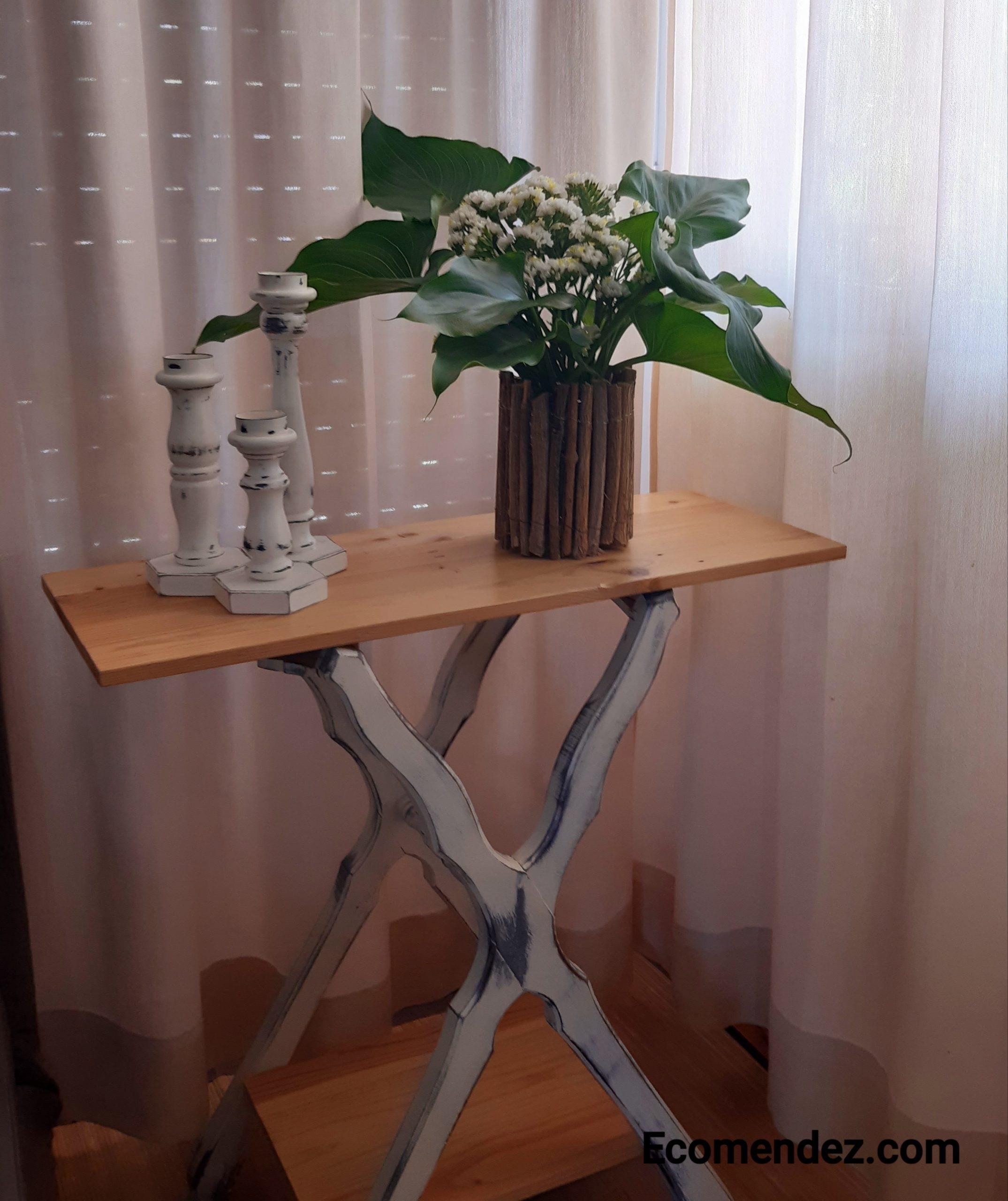 Mesa auxiliar vintage de madera reciclada