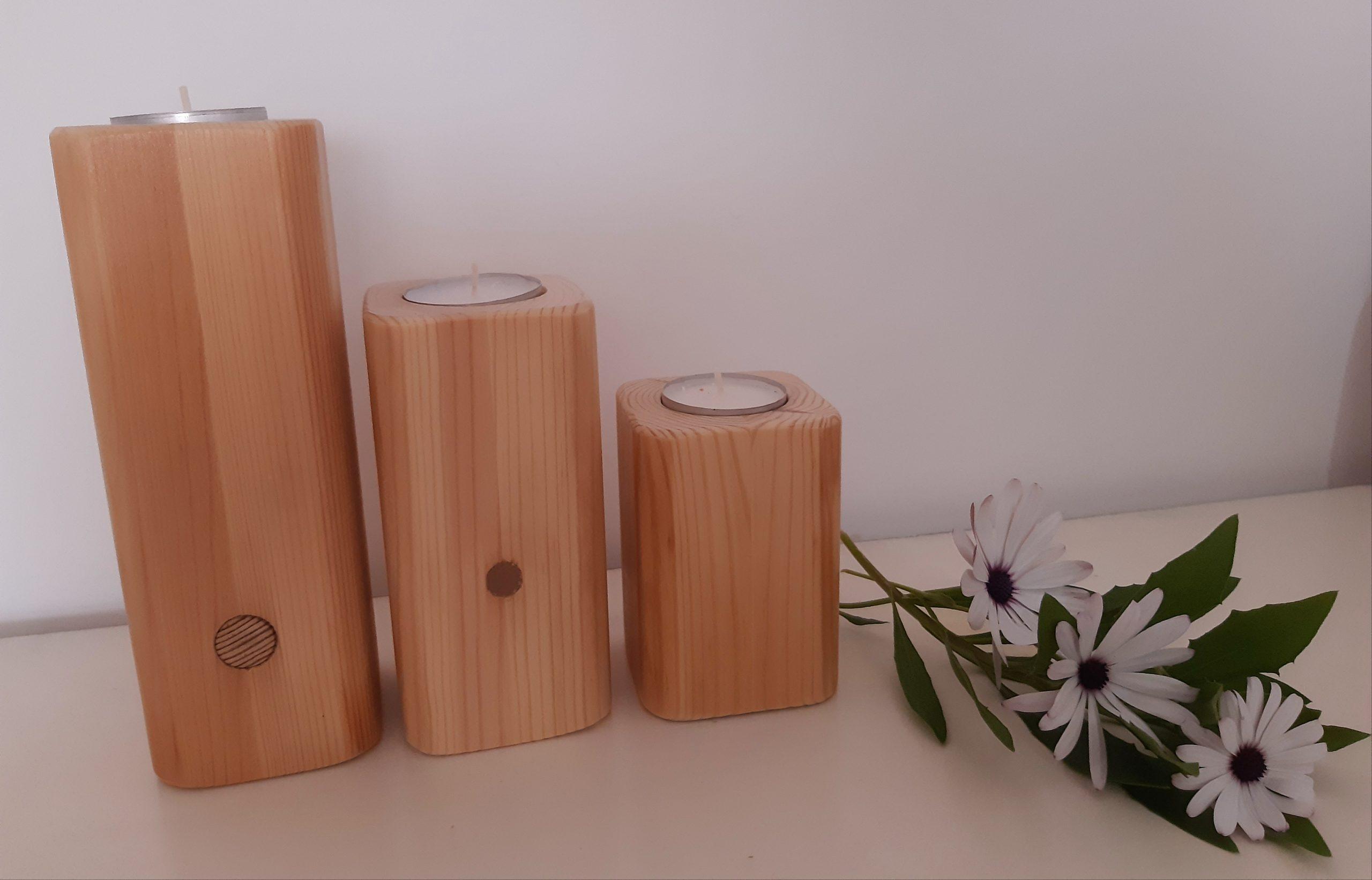 Candelabros de madera reciclada